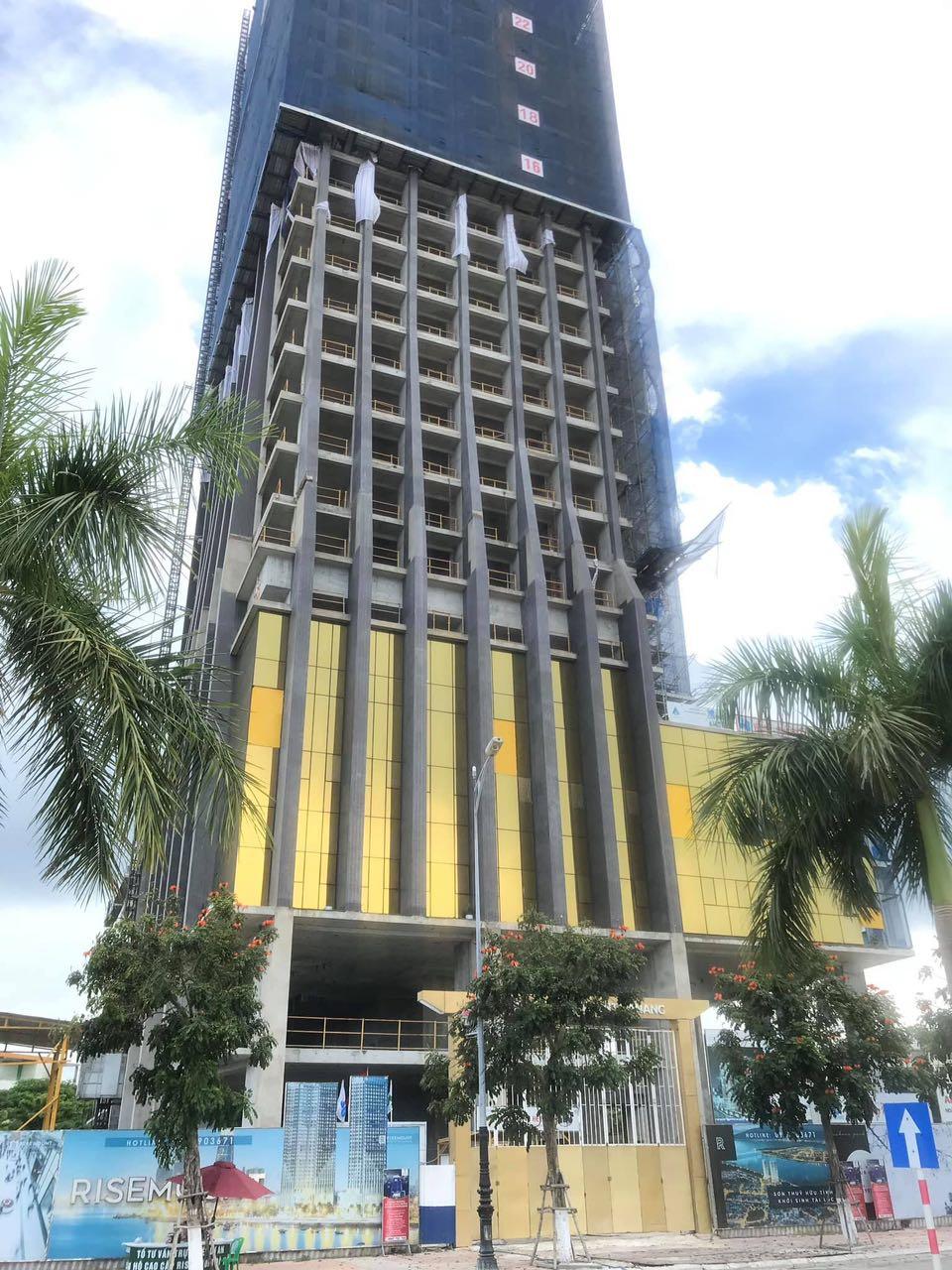 Lắp Kính mặt ngoài 24k Căn hộ Risemount Apartment Đà nẵng