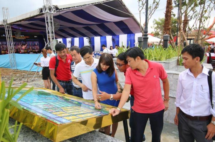 Khách hàng chọn lô dự án dragon smart city đà nẵng
