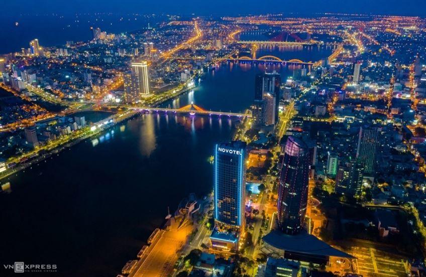 Một góc thành phố Đà Nẵng về đêm.